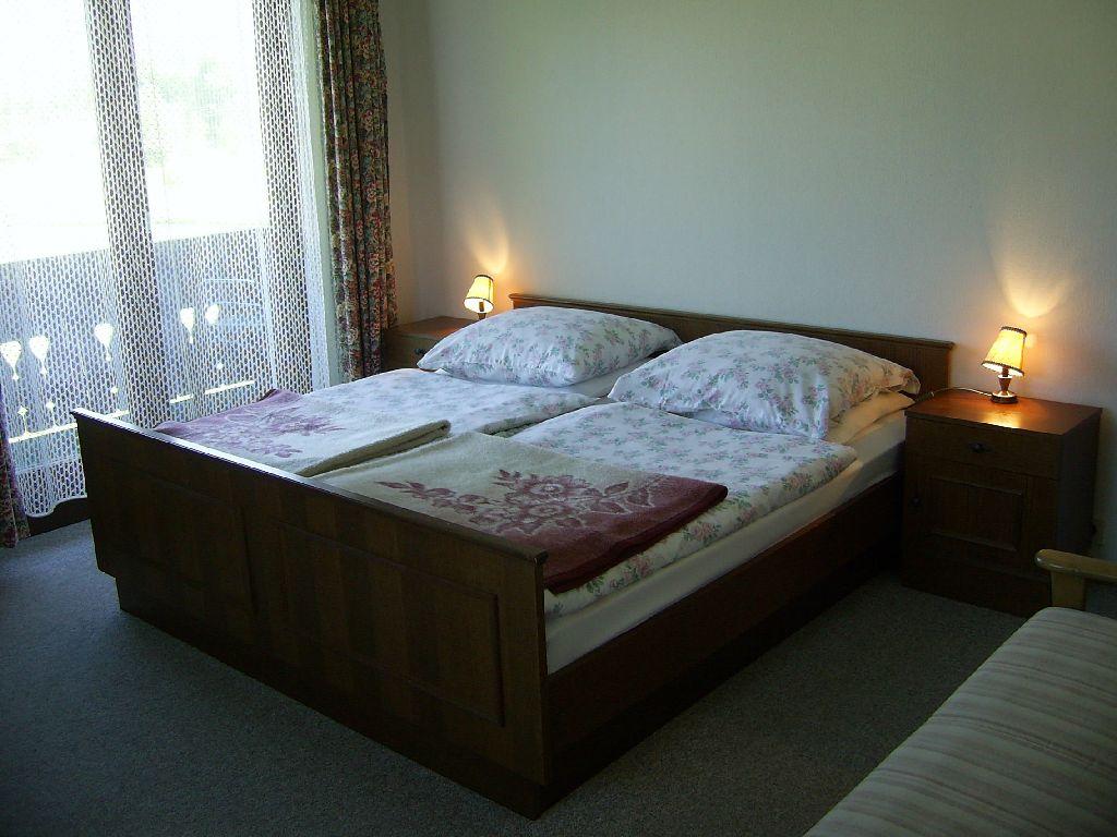 Zimmer und Haus